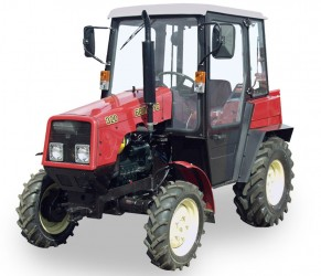 Колесный универсальный трактор Беларус 320